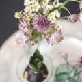 Fruehlingsdeko mit Blumen