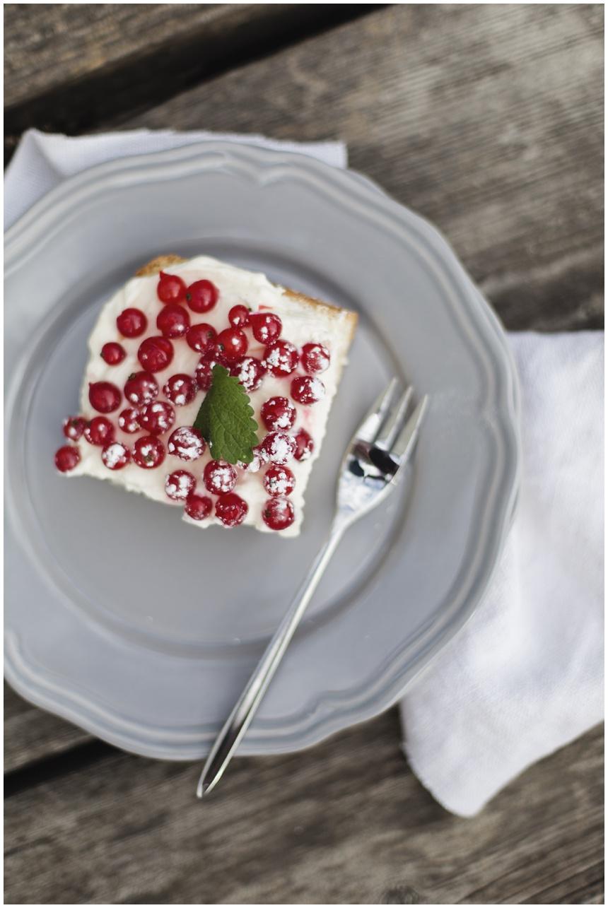 Ribiselkuchen mit Mascarponecreme und mein liebstes Sommerkleid. Von Wiener Wohnsinn Blog.