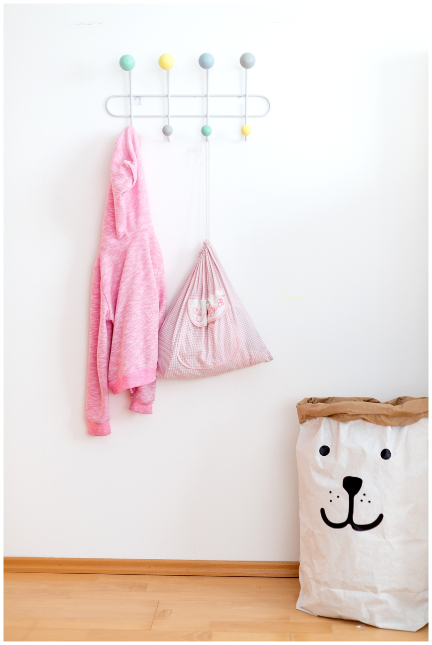 helles und freundliches Kinderzimmer