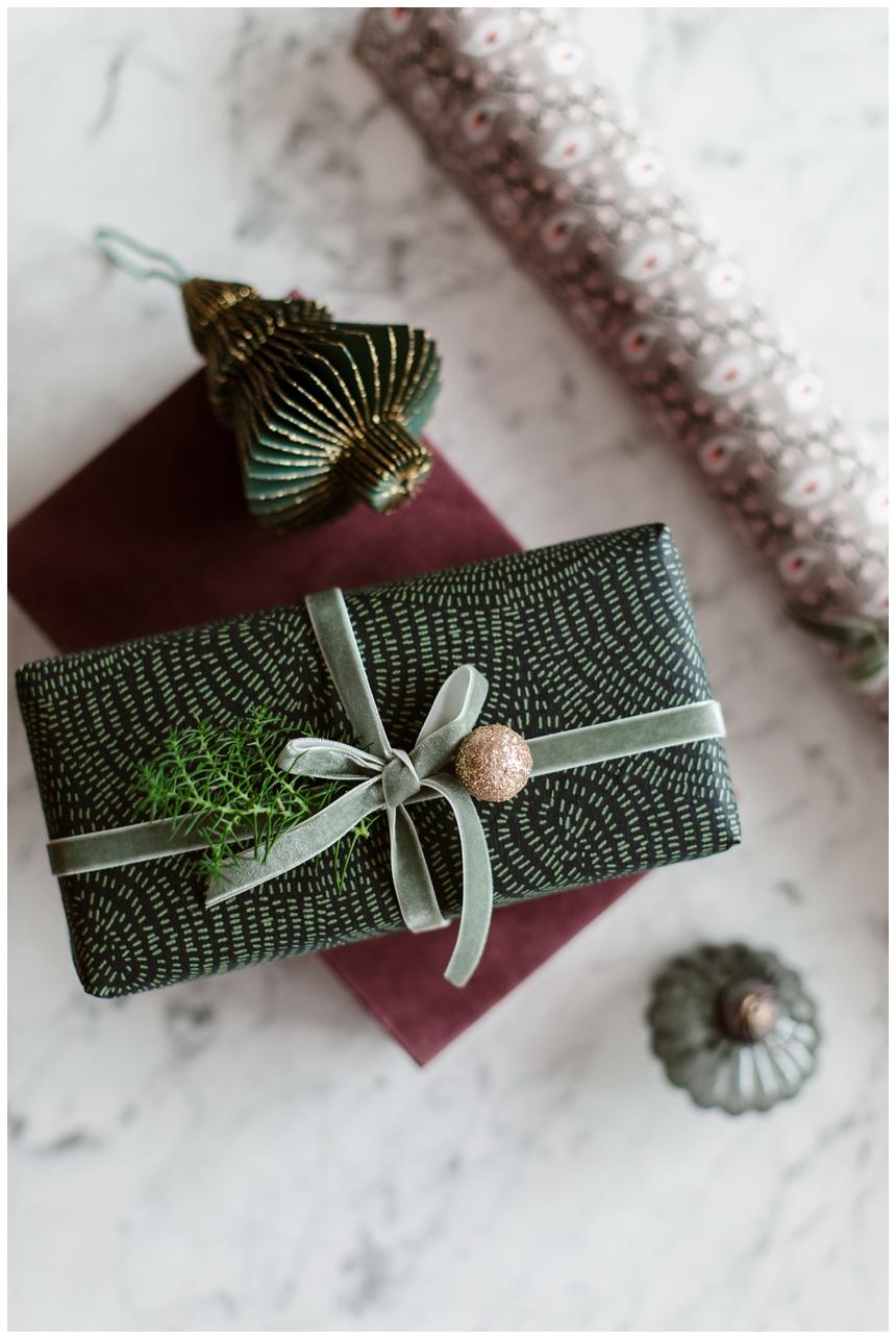 Weihnachtsgeschenke stilvoll verpacken I © Wiener Wohnsinn Interior Blog