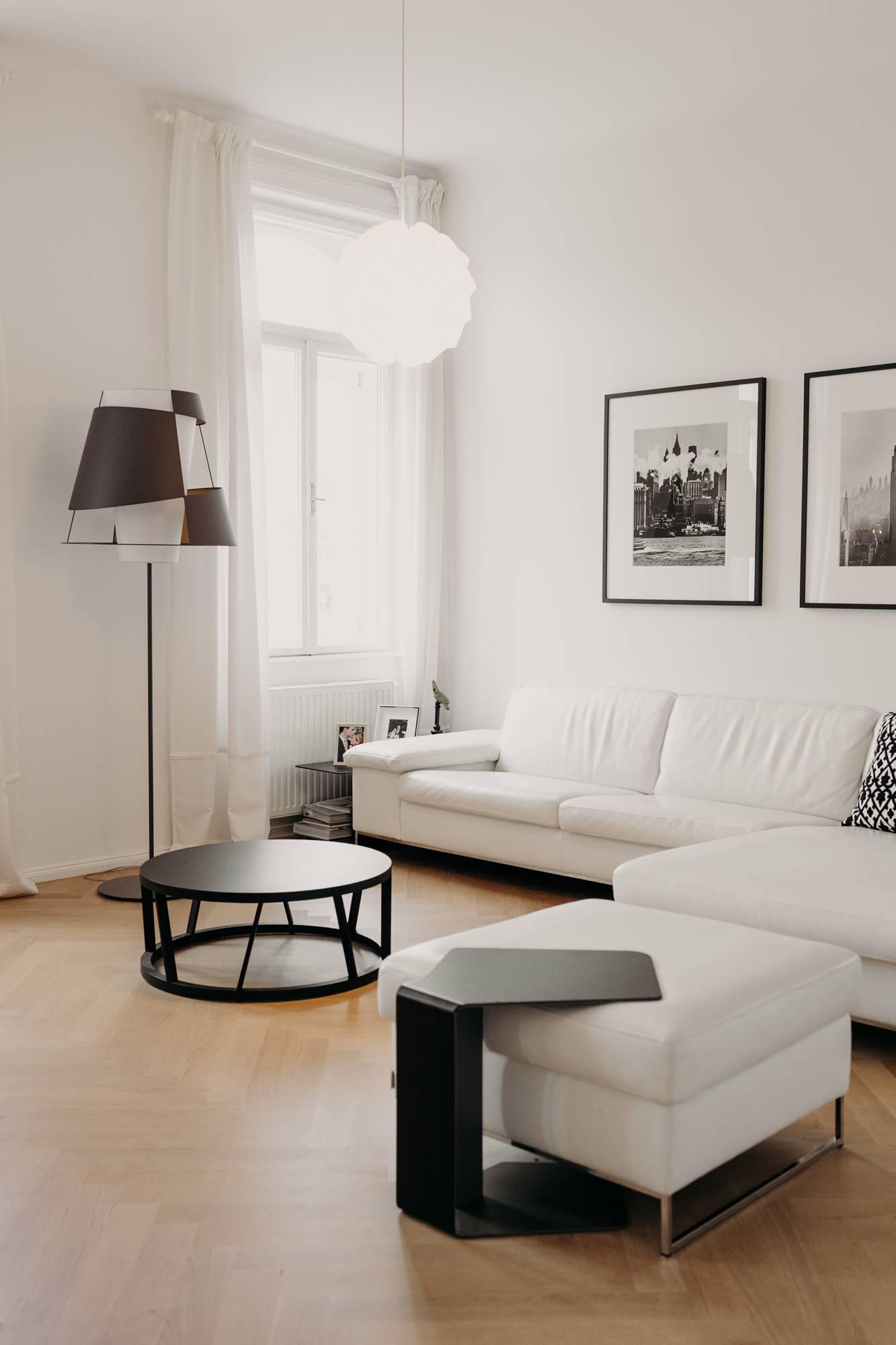 Wohnzimmer in Weiß - Wiener Wohnsinnige Homestory